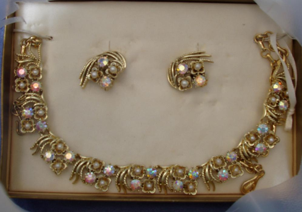 NIB Coro Demi-Parure Necklace Clip on Earrings Set