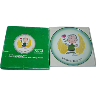 Peanuts Mother's Day Linus Collector Plate