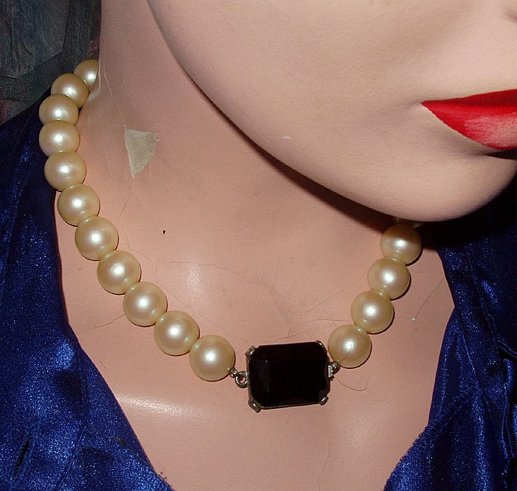 Vintage Lancer II Choker Faux Pearl Glass Purple Accent Necklace