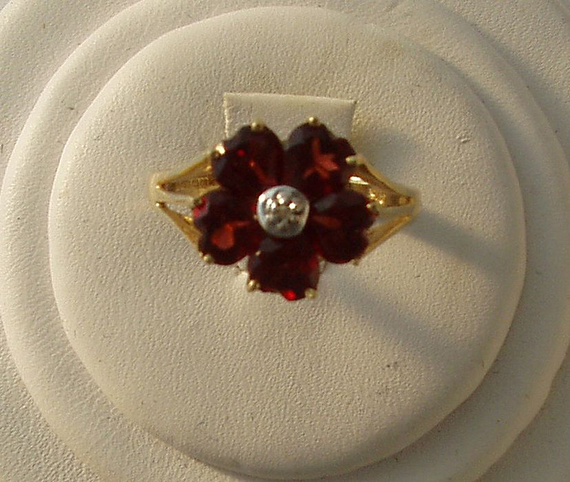 Stunning vintage 9k gold ruby diamond ring jewelry Scottish Estate