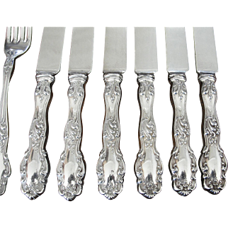 12 Piece Set Rogers 1904 Tudor Silver Plate Forks and Knives