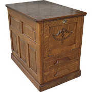 Quarter Sawn Oak Desk End Table with Storage