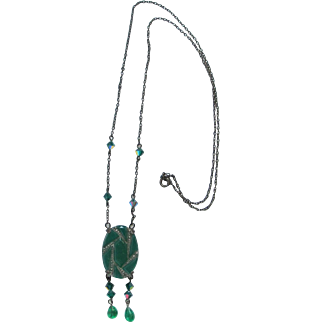 Pretty Vintage Green Glass Necklace w/ Dangly Beads