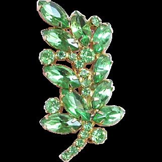Lovely Vintage Green Rhinestone Leaf Shape Pin