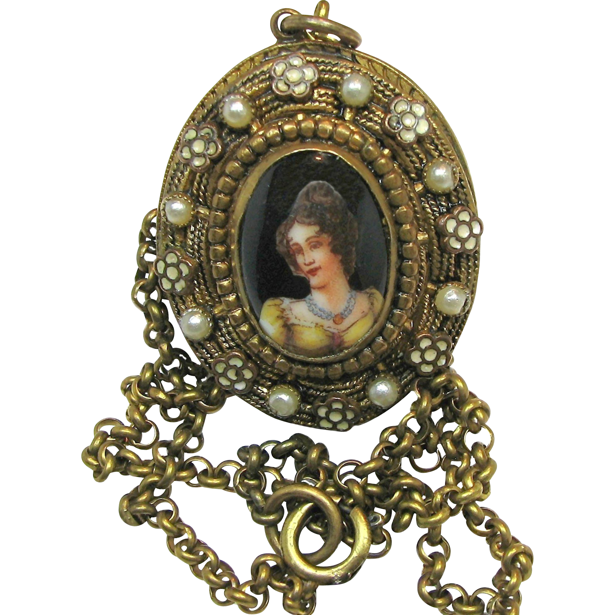 Vintage Victorian Revival Open Locket CAMEO Necklace c.1940's