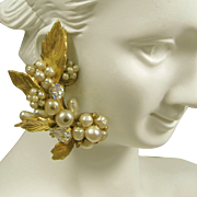Vintage De MARIO Climber EARRINGS, Glass Pearls 'n Rhinestones c.1945
