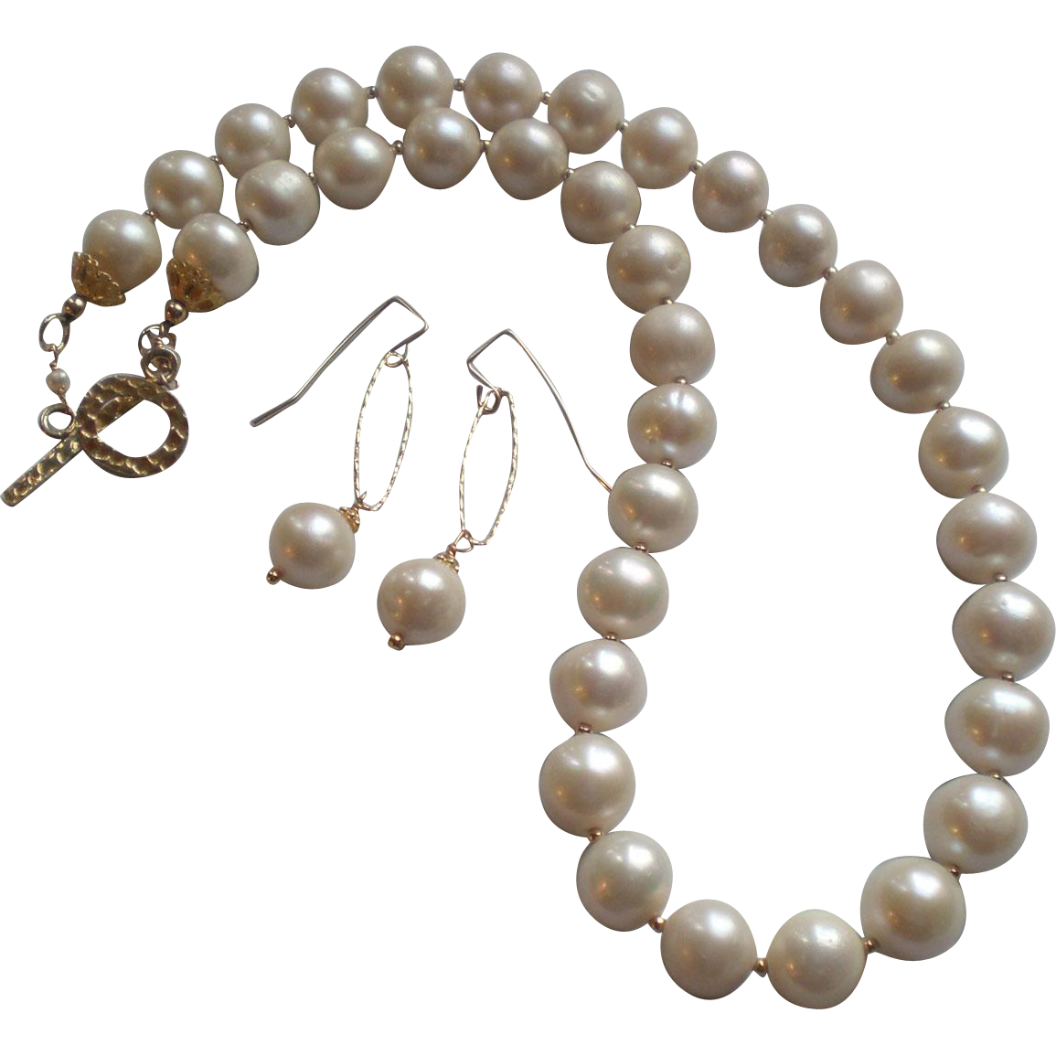 xl white freshwater cultured pearls necklace and earring