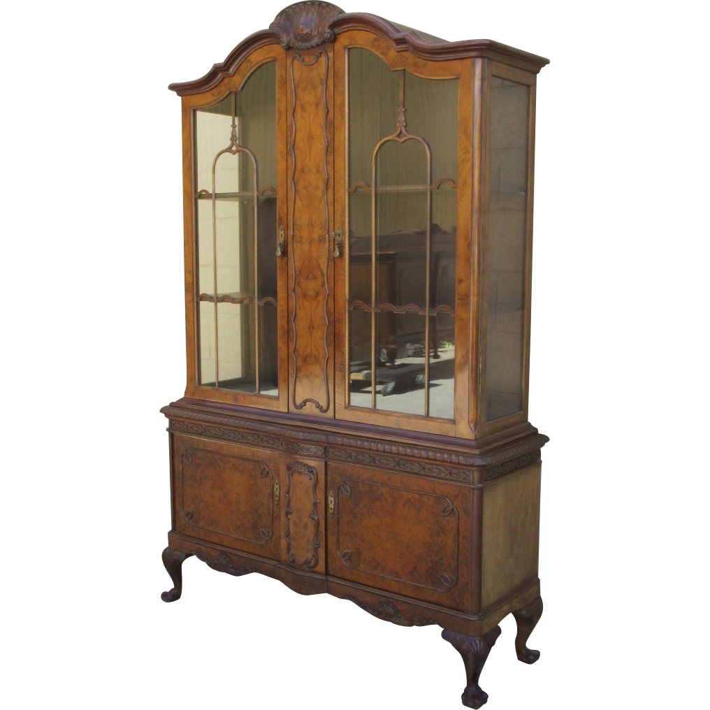 1920's Italian Chippendale Style Walnut China Cabinet Display Cabinet