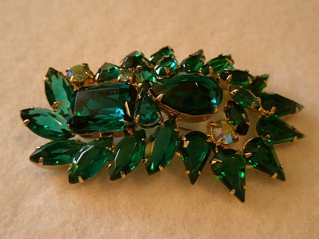 Juliana (DeLizza & Elster) Emerald & AB Rhinestone Brooch