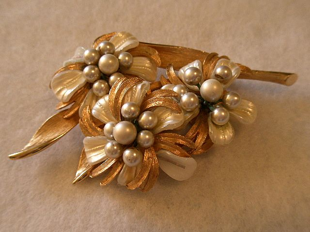 Coro Vendome Gold-tone Brooch w/Faux MOP & Pearl Flowers