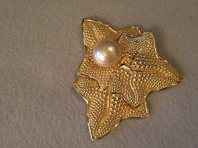 """Philippe Ferrandis"" Gold-Tone & Faux Baroque Pearl Brooch in Leaf Design"