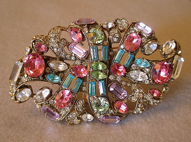 """Staret"" Oval Gold-Plated Brooch Studded With Pastel & Clear Rhinestones"