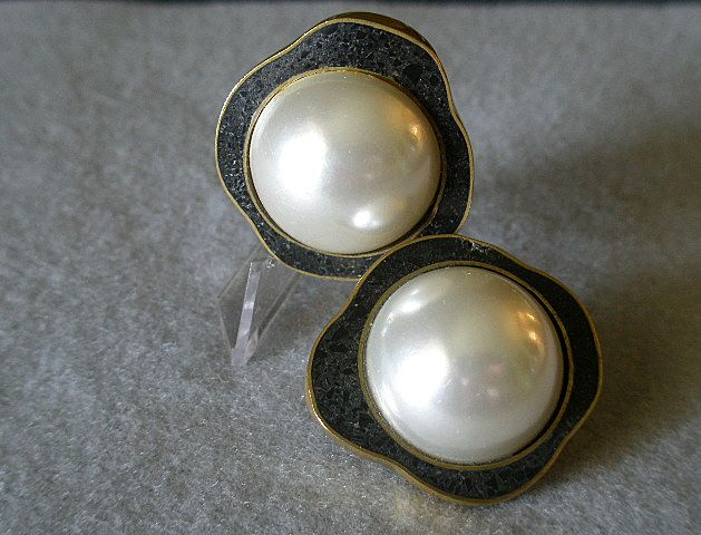 """Celia Sebiri"" Vintage Faux Round Pearl w/Crushed Onyx Inlaid Border Clip Earrings"