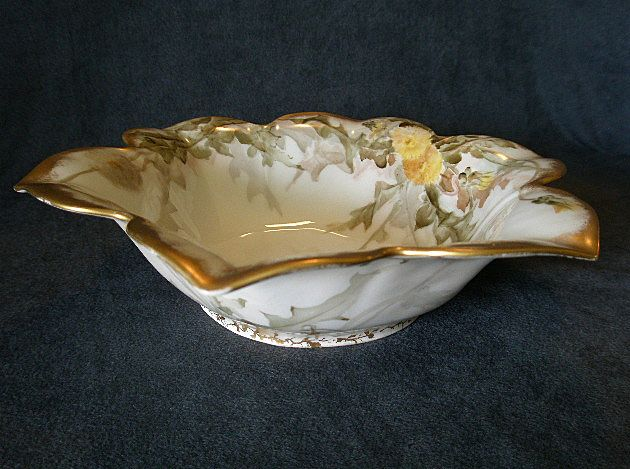 T & V Limoges Hand Painted Flower-Shaped Bowl w/Dandelion Floral Decoration