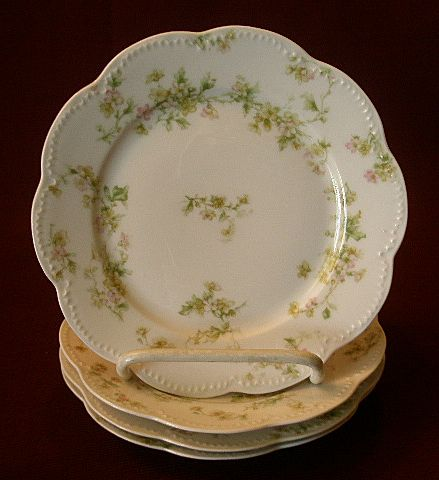 "Set of 4 Haviland & Co. Limoges ""Green & Pink Floral"" Bread & Butter Plates - Schleiger #74A"
