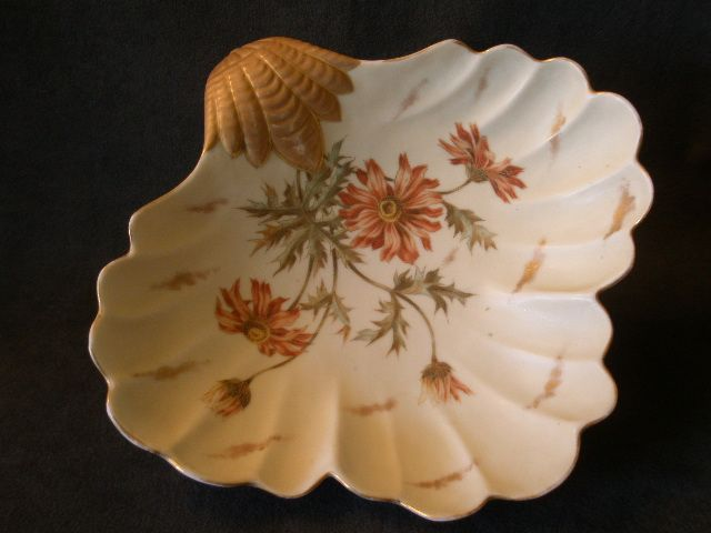 "Royal Rudolstadt ""Shell-Shaped"" Console/Serving Bowl w/Poppy Floral Design"