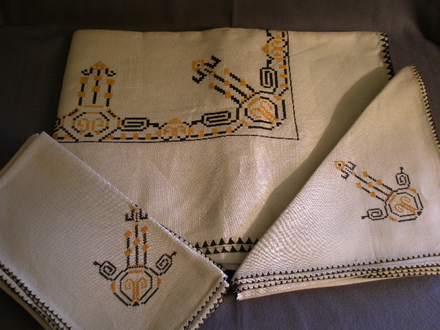 art deco tablecloth 2