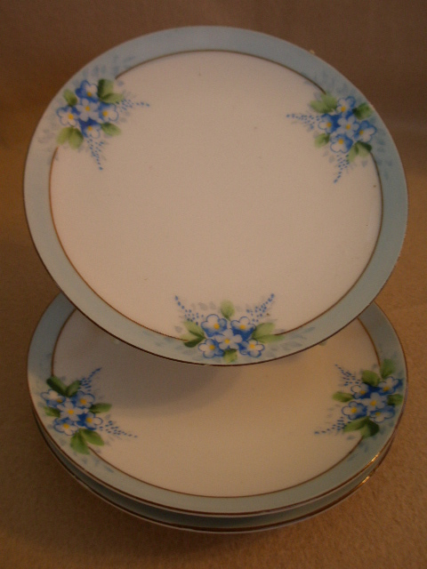 Chikarmachi Porcelain - Set of 3 B&B or Dessert Plates w/Forget-Me-Not Motif
