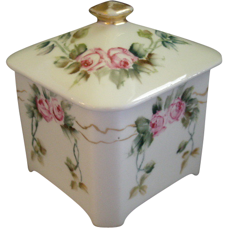 Bernardaud Limoges Hand Painted Dresser/Vanity Covered Box w/Rose Blossom Motif