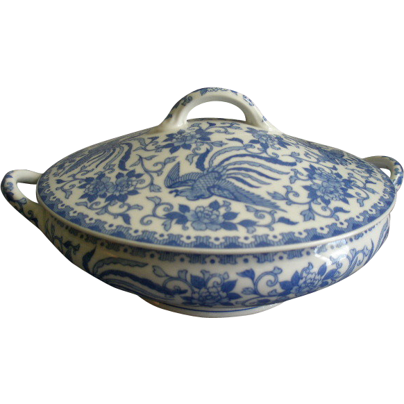 Noritake Blue & White Porcelain 'Howo' Pattern Covered Vegetable Tureen