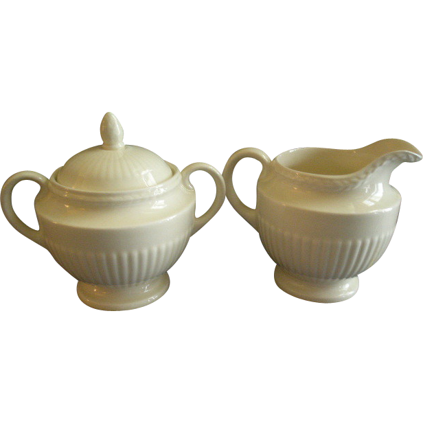 Josiah Wedgwood & Sons 'Edme' Pattern Sugar Bowl & Cream Pitcher Set