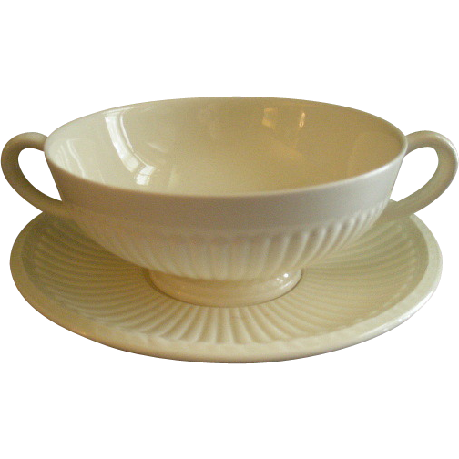 Josiah Wedgwood & Sons 'Edme' Pattern Set of 4 Footed Cream Soups &  Saucers