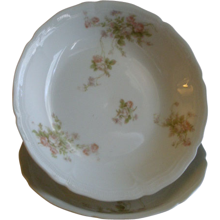 PH Leonard, Vienna, Austria, Porcelain Pair of Round Open Vegetable Bowls w/Pink & White Rose Motif
