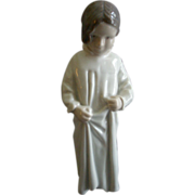 "Bing & Grondahl Porcelain of Young Girl ""Good Morning Mama Girl In Nightgown"" Figurine #1624"