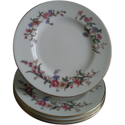 "Set of 4 Wedgwood ""Devon Sprays"" Pattern Bread & Butter Plates"