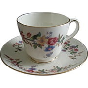 "Set of 4 Wedgwood ""Devon Sprays"" Pattern Cups & Saucers"