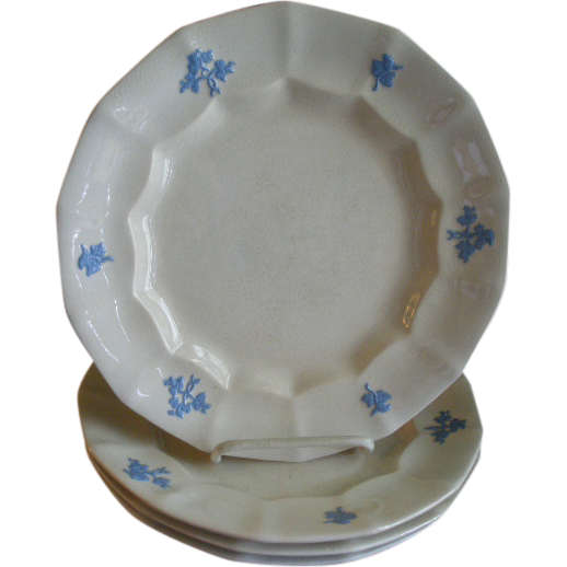 "Set of 4 ""Chelsea Grape"" Pattern Ironstone Dinner Plates"
