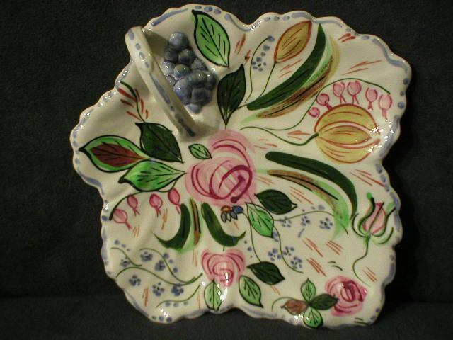 "Blue Ridge ""Verna"" Maple Leaf Cake Tray"
