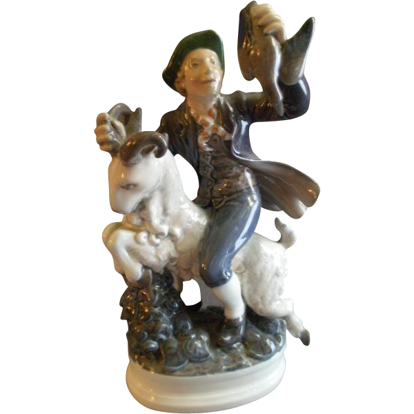 "Dahl Jensen Porcelain Figurine ""Hans Clodhopper"" #1070, Sculptured by Poul Lemser"