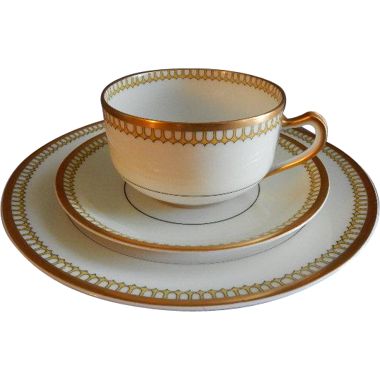 "Charles Haviland & Co. Limoges ""Cream & Yellow Deco"" Design 15-Piece Salad/Dessert Set - Schleiger #278"