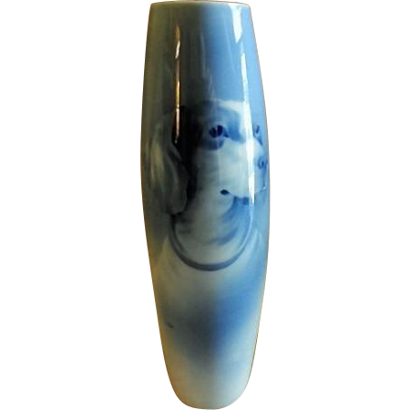 "Bernhard Bloch & Co. Porcelain Portrait Vase of a ""Jack Russell Terrier"""