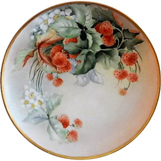 "Haviland Limoges Hand Painted ""Strawberries"" Motif Plate - Artist Signed"