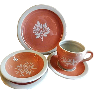 """Syracuse China - Illinois Central Railroad """"Coral"""" Pattern - Set of 5 Pieces"""
