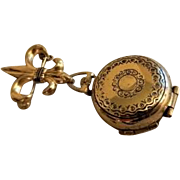 Coro Pegasus Gold-Tone Fleur De Lis Four Photo Brooch Locket