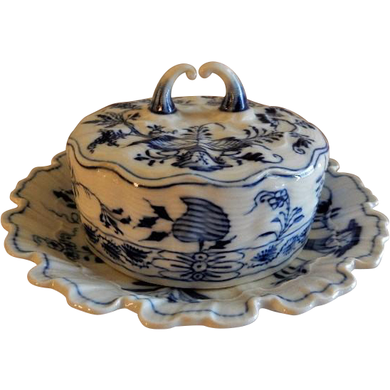 """Meissen """"Blue Onion"""" Pattern Round Covered Butter Dish w/Attached Under-plate"""
