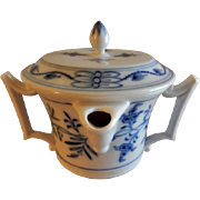 "Meissen ""Blue Onion"" Pattern Gravy Pitcher & Lid (Double Spouts & Handles)"