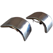 "Vintage Contemporary Style Sterling Silver ""Curved Bar"" Stud Earrings - Pair"
