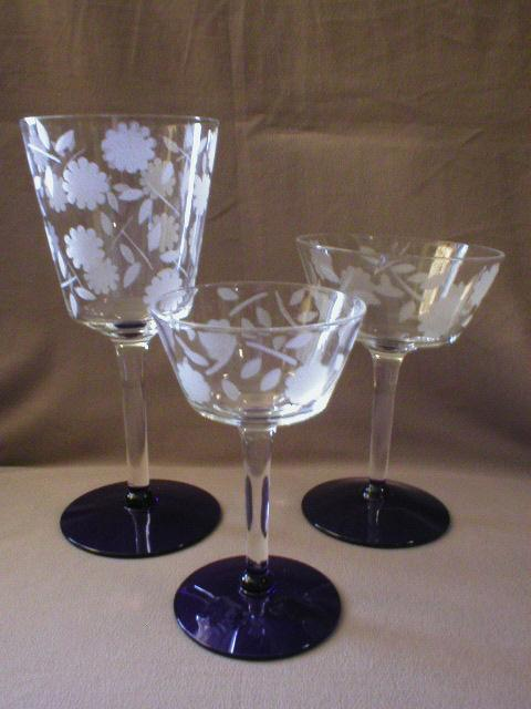 16 Pcs Stemware in Cobalt, Crystal and Frosted Combination