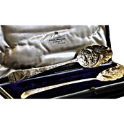 Sterling Silver George 111 England London Hallmark 1784 Hester Bateman Serving Spoons Boxed Repousseˊ