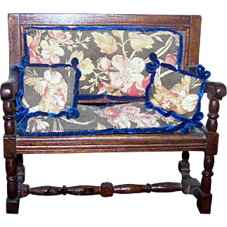 Adorable Doll Settee Miniature Furniture Accessory