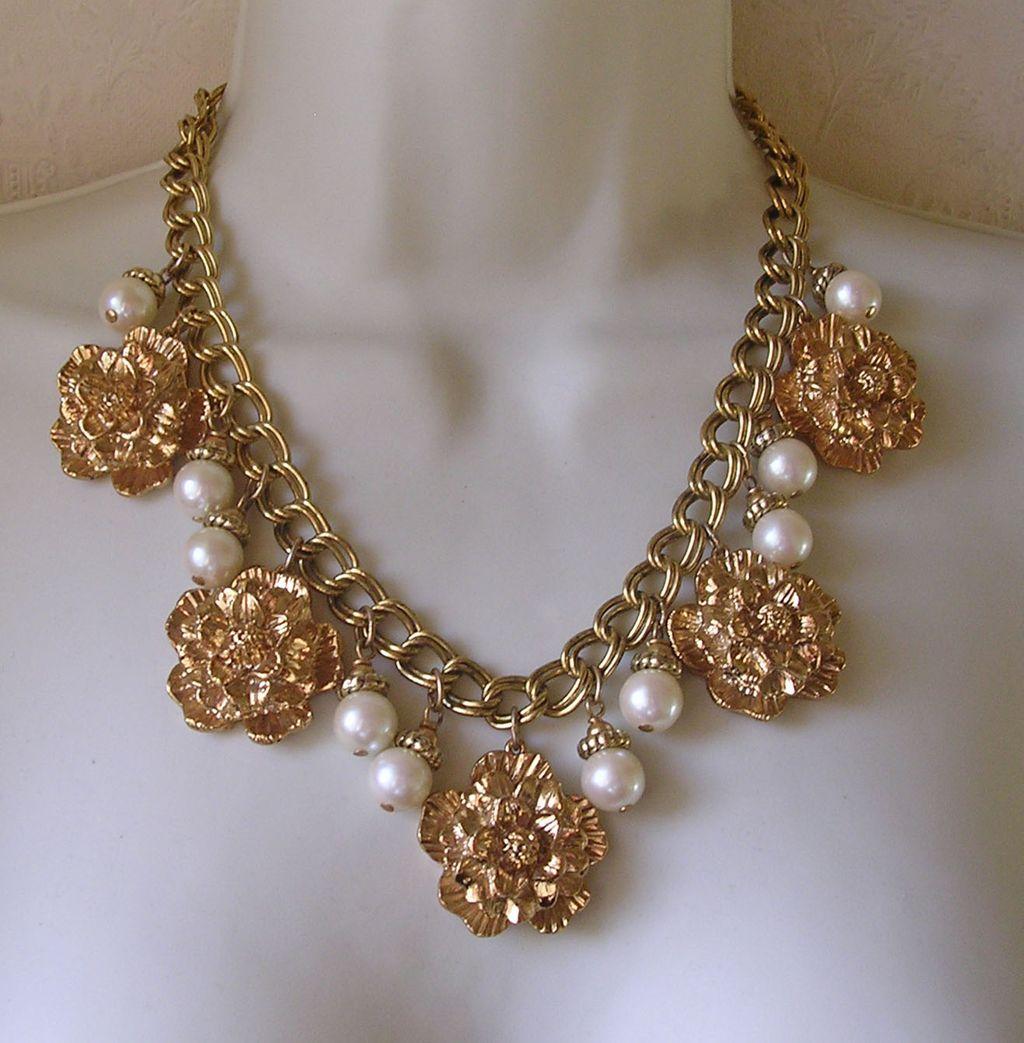 Sharra Pagano Imitation Pearl Pendant Drop Necklace