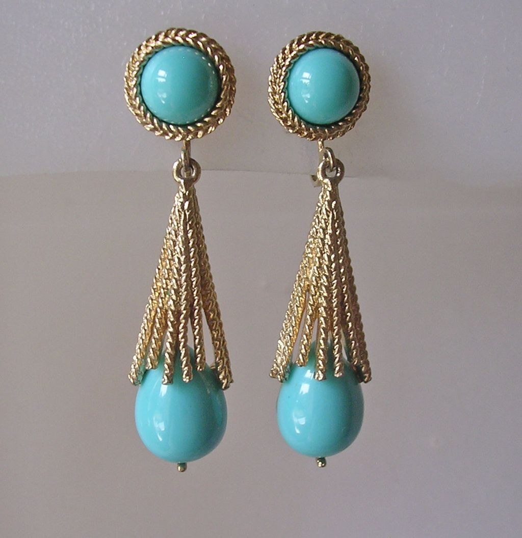 Vintage Avon Turquoise Glass Pendant Clip Earrings