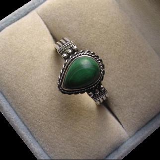 Native American Sterling Silver Malachite Ring Size 8 1/2
