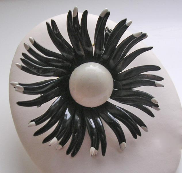 Vintage Black and White Enameled Daisy Brooch