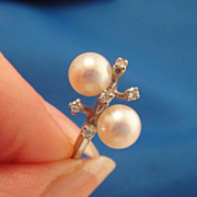 10K White Gold Vintage Pearl Diamond Ring