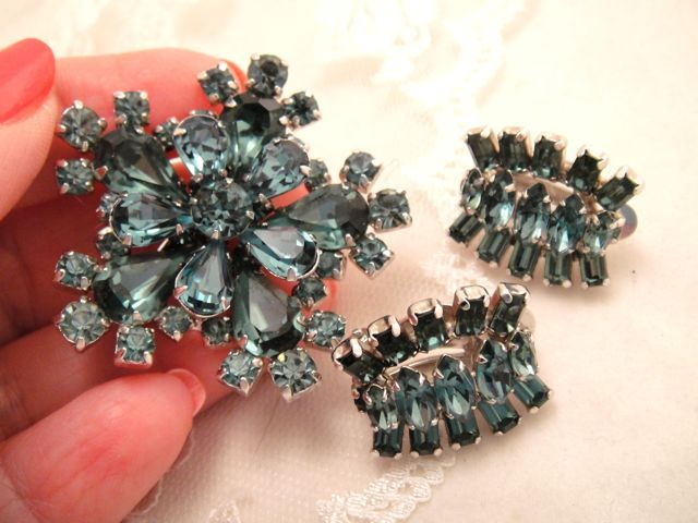 SHERMAN Vintage Blue Rhinestone Brooch & Earrings Set MINT